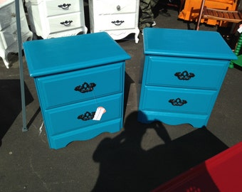Set of 2 Turquoise Side Tables / Night Stands