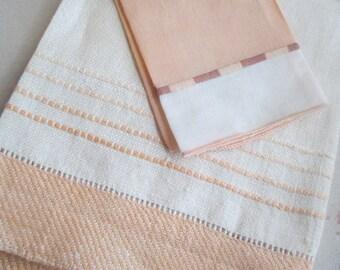 PEACH Bundle 2 Vintage Linen Towels Guest & Fingertip Embroidered S31