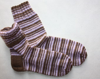 24,5 cm /// 9,6 inches Charming Hand knitted socks, Slipper Socks - Unisex - US Men 6,5 /// US Women 8 /// EU 38,5