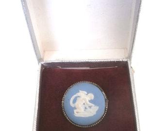 Rare 1957 Cupid and Arrow Jasperware Wedgwood Sterling Silver Cameo Pin Brooch