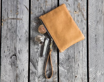 Leather Writer's Pouch Wristlet // leather pouch // SANDALWOOD