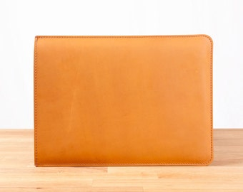 "15"" MacBook Pro with Retina Display Leather Sleeve Case in Chestnut"