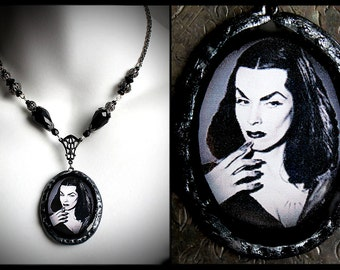 Vampira, Maila Nurmi, gothic pinup, horror queen, vamp, vampire, Plan 9 from Outer Space, 1950's goth, classic horror, psychobilly, dark