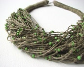 GREEN raindrops - linen necklace