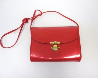 Glossy Shiny Red Purse Handbag Shoulderbag Firmsided Hardsided Metallic