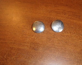 vintage clip on earrings silvertone dots circles