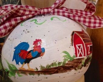 Painted and decorated gourd!