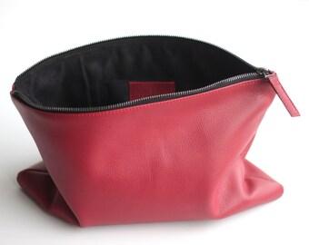 POCHETTE Leather Zip Pouch. Leather Zipper Pouch. Leather CarryAll. Leather Purse. Women Purse. Tablet Case. Bridesmaid Clutch Bag