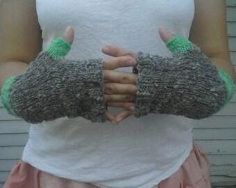Hand spun suffolk wool and alpaca fingerless Gloves
