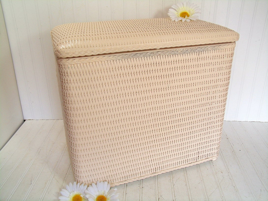 Retro blush pink wicker clothes hamper with padded lid seat - Rattan laundry basket with lid ...
