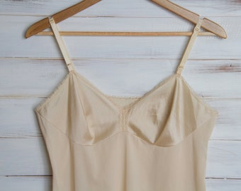 SALE was 25.00 Vintage Beige Lace Full Slip Lingerie Night Gown 38