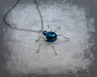 Halloween necklace, Spider Necklace, Halloween Spider, Pearl spider, Pendant, metal silver tone,