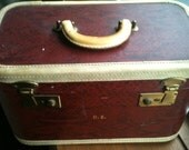 Vintage SKYWAY Red Snakeskin Cosmetic Make-Up Travel Train Case Luggage with KEY