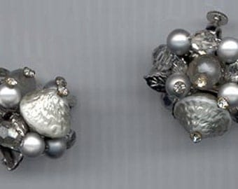 Lovely vintage Vendome earrings - cluster of silvery beads and leaves