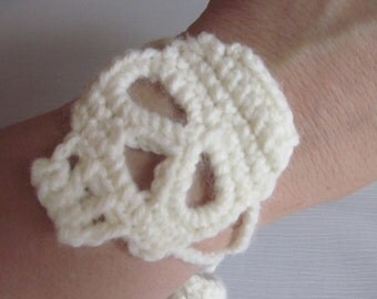Crochet Cuff Bracelet with Skull, You choose the colors
