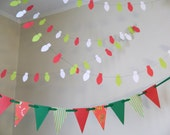 How the Grinch Stole Christmas Insoired Decor/ Christmas Decorations / Classroom decor / Dr Seuss Decorations / Photo Prop/ Holiday Garland