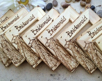 Hindu Indian Wedding Favors for your Bridal Party with THEIR Sari Saree Replicated on the Wood Frame with Their Name Asian Wedding SET of 8