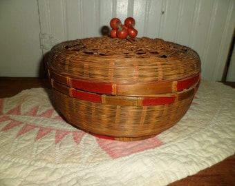 Vintage Chinese Sewing Basket Wicker Rush work Wooden Cherries Decoration