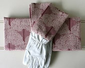 "Gardeners Giftset - Kneeling Pad & Gloves in Womens ""Earth Mother"""