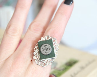 Book of Shadows, Witchy Book Geek Girl Ring