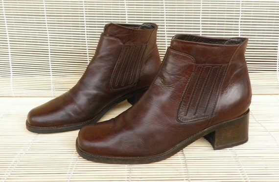 Vintage  Lady's Brown Leather Ankle Boots Size EUR 36 / US Woman 6