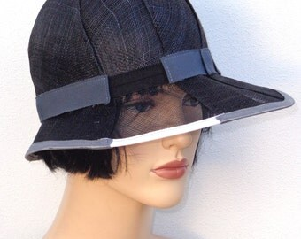 Flapper hat, gray sinamay cloche with veil effect, wedding hat, sun hat, retro hat, vintage hat, 20s wedding, garden party, great Gatsby