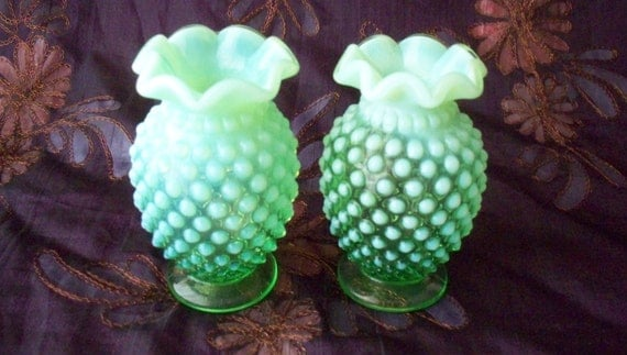 Fenton Hobnail Glass Green Opalescent Mini Crimped Cup Bud