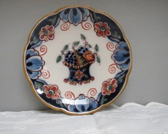 Vintage 1970's Makkum Pottery Polychrome Handpainted Wall Hanging Plate, made in Holland