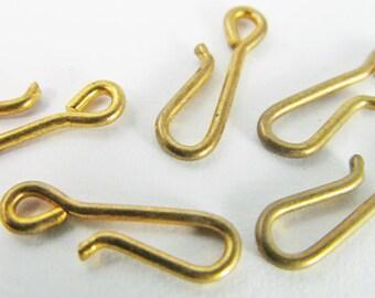20 Vintage 14mm Brass Hooks Cl72