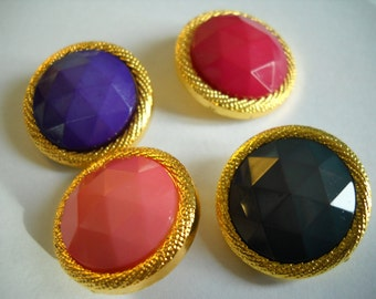 4 Buttons - Four colorway   - 23mm- Green- Pink Peach - Purple or Berry
