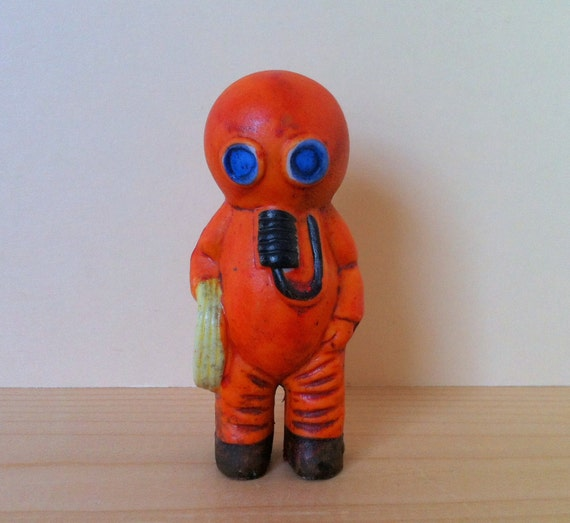 Orange scuba diver figurine deep sea aquarium ornament fish for Aquarium scuba diver decoration