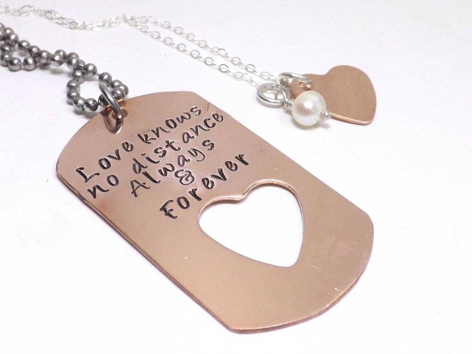 copper dog tag and heart necklace set love knows no distance. Black Bedroom Furniture Sets. Home Design Ideas