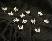 12 Silverplated 39ss Sew On Chaton Rhinestone Settings