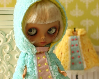 PO - Anniedollz Blythe Outfits Rose Hooded Cape - Mint
