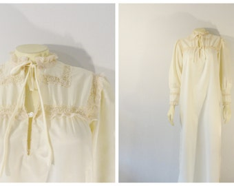Vintage Nightgown Eve Stillman Saks Fifth Avenue Ivory Satin Gown Union Made in USA Size Petite Modern Small to Medium