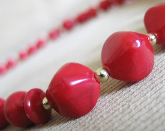 Vintage 1970s Lipstick Red and Tiny Gold Bead Necklace