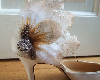 Pair Bridal Curled Ivory & Gold Nagoire Peacock Feathers and Crystal Brooch Shoe Clips SCB116 - Bride Bridesmaid Rustic Boho Vintage Wedding