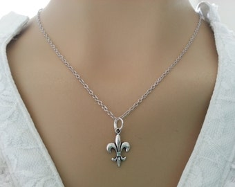 Simple Antique Silver Fleur de lis Necklace