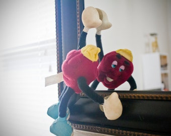 Vintage 80s California Raisin . Grapevine bendable raisin with suction cups by Applause