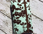 iPhone 3, 4, 4S, 5, iPod Touch 4G, 5 wallet with removable gel case - mint and chocolate rose
