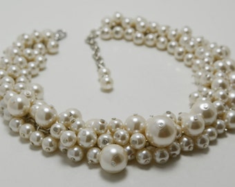 Ivory Pearl Cluster Necklace, Pearl Bridal Jewelry, Cream Chunky Necklace, Ivory Wedding Necklace, Bridesmaids Gift, Beaded Pearl Jewelry,