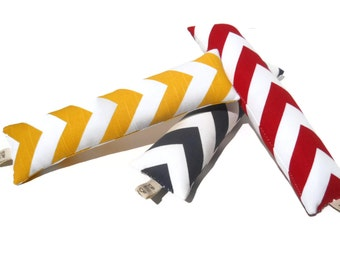 Modern cat/kitty kicker organic catnip toy...Chevron print...Red, yellow or navy...