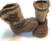 Newborn unisex cowboy boots.  Brown and tan.  Made to order.  Crochet baby booties.  Photo prop newborn pregnancy reveal unisex.