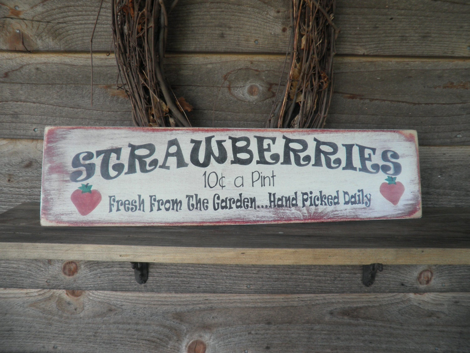 Primitive home decor wood sign hand painted strawberry for Home decor signs