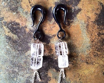 0-18G Crystal quartz dangles with silver chain accents