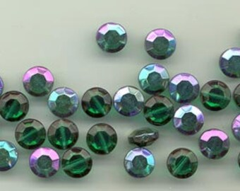 24 vintage German crystal beads - flat faceted emerald AB - 8.5 mm
