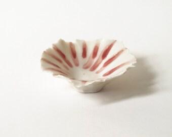 SALE!/Sale/Porcelain Bowl/Porcelain Ring Bowl/Porcelain Pinch Bowl/Glossy White and Red Porcelain Shell Bowls (A12)