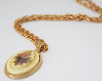 Necklace - Vintage Floral Painted Pendant