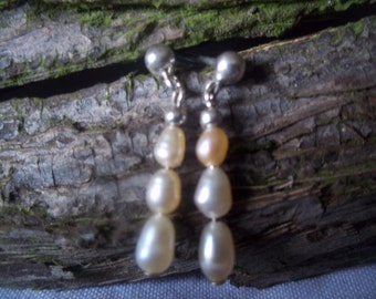Peach freshwater pearl & sterling silver earrings