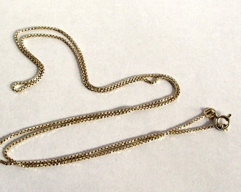 Sterling silver box chain. 19 ins Silver necklace